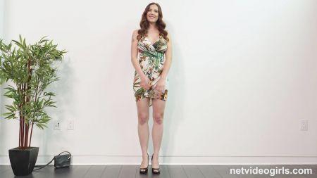 Video Desnudando A Esposa Mmf