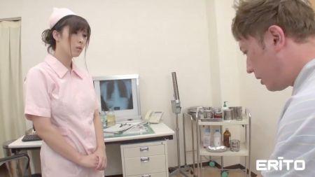Mujer Madura Japonesa Masturbandose En Camaara Escondida