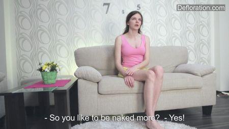 Se Masturba Con Los Pantalones Cortos Xxx