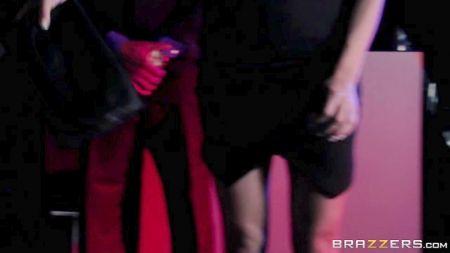 Videos De Nica Noelle Follando Con Lesbianas Maduras Y Lesbianas Jovenes