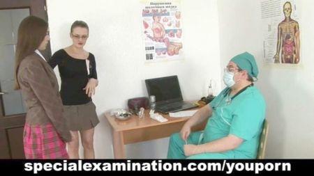 Copilasion Orgasmos Bajo Escritorio